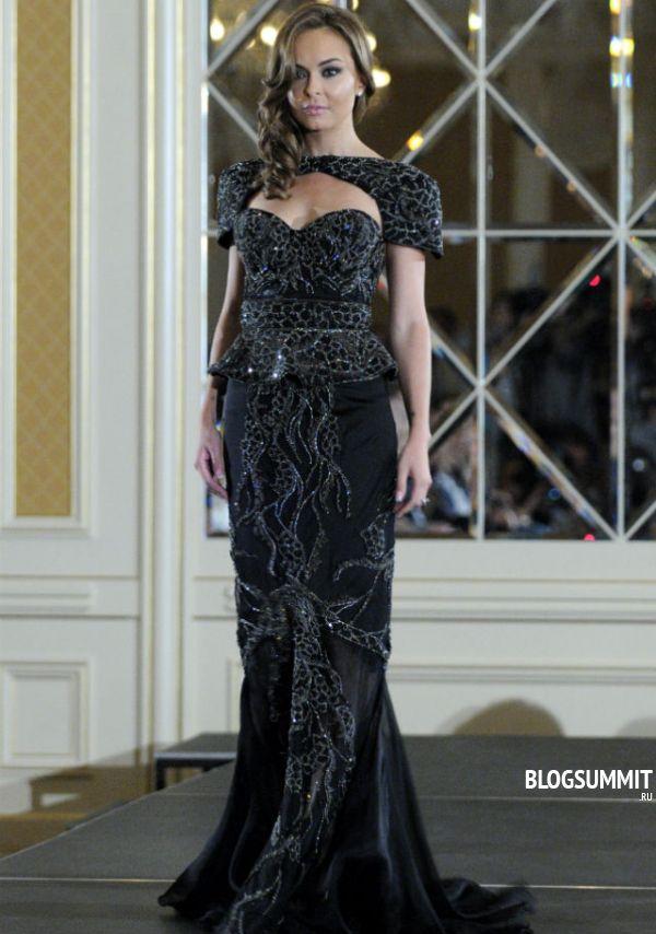 На самом дорогом платье нашито пятьдесят бриллиантов