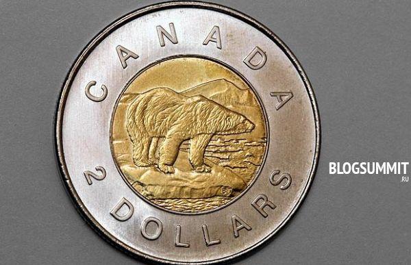Монета номиналом в два доллара