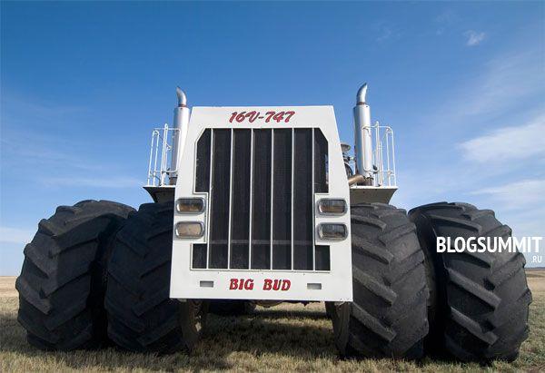 BigBud-747 весит 45 тонн