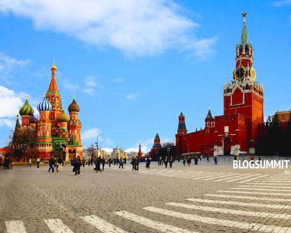 Величественный Храм и Кремль – главные памятники Красной площади, Москва, Россия