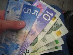 Канадский доллар - интересная и востребованная валюта